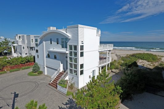 Oceanfront for sale in Lovealdies