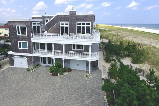 1029-C Oceanfront in North Beach