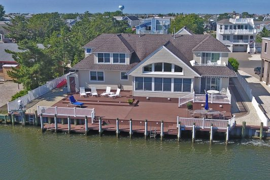 21 Buckingham Ave Lagoonfront in Harvey Cedars